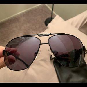 Men Guess sunglasses